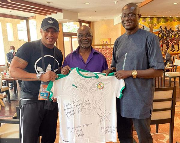 Présidence de la CAF : Roger Milla soutient la candidature de Me Augustin Senghor