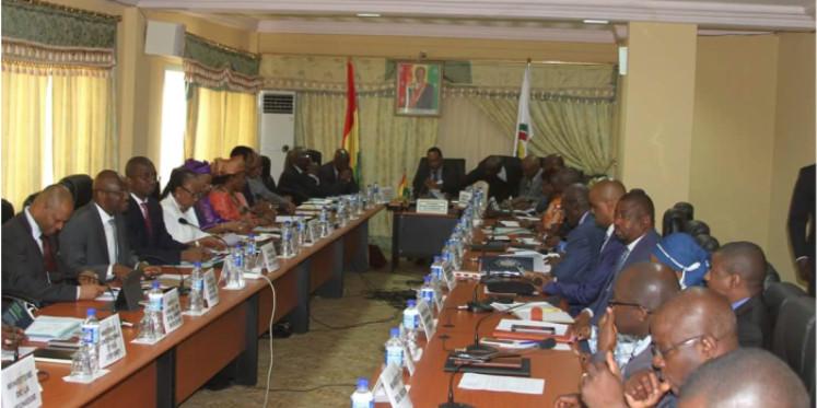 Guinée : les anciens dignitaires interdits de sortir du pays