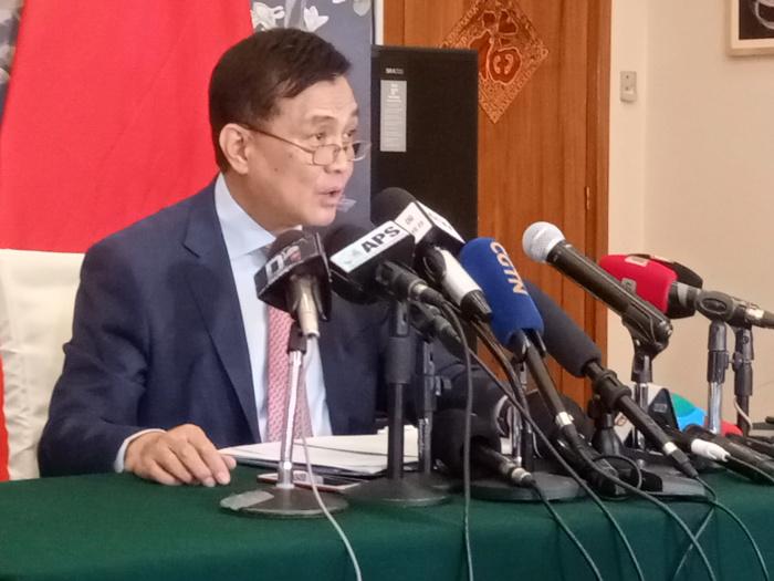 """Rapatriement des sénégalais basés à Wuhan / La Chine rassure : """"Ces Étudiants sont en bonne santé. Il n'y a pas urgence à les rapatrier""""( S.E.M. ZHANG Xun, ambassadeur de Chine au Sénégal)"""