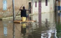 Les inondations font chavirer l'opposition
